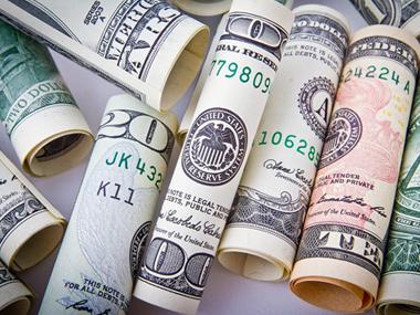 男子微信发布虚假贷款信息诈骗近10万元